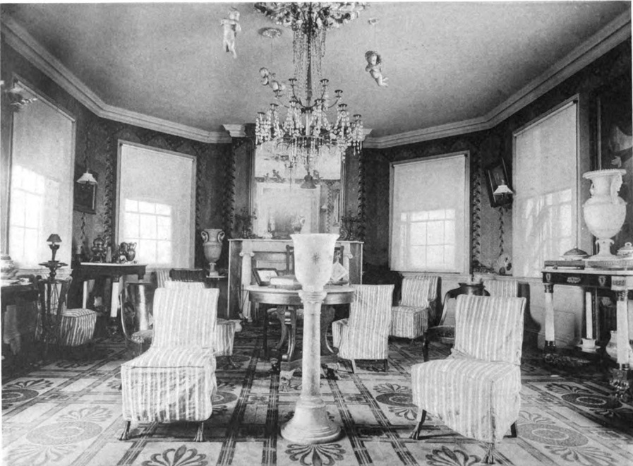 The octagon room of the Morris-Jumel Mansion circa 1887.
